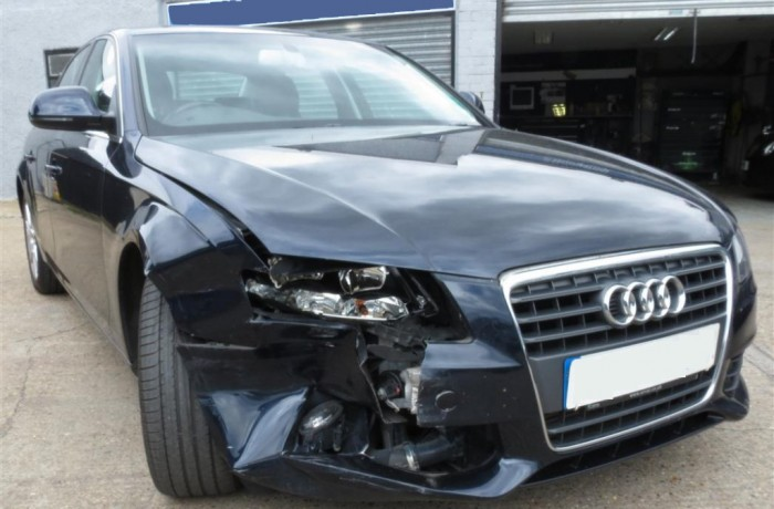 schade auto check